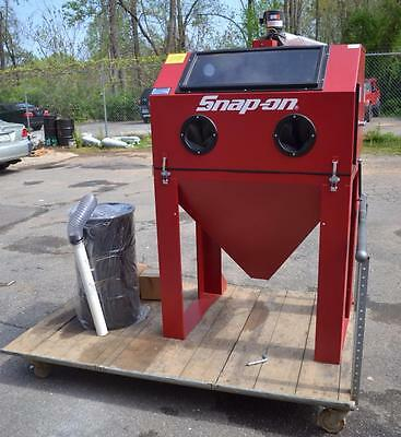 Snap-On Clamshell Blast Cabinet, YA3825 - Never Used