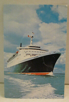 Queen Elizabeth 2 Passenger Ship Cunard Steamship Co 65,863 tons Postcard
