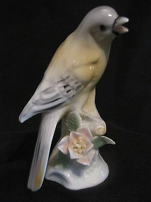Vintage Porcelain golden / yellow Oriole bird figurine