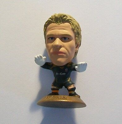 Microstars BAYERN MUNICH (GOALKEEPER) KAHN Germany S3 GOLD BASE MC9596