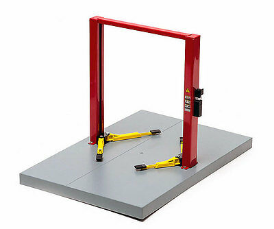 MANUAL 2 POST HOIST - 1:18 Scale by Greenlight