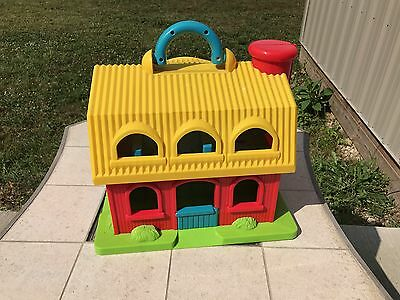 Battat Barn Building  Farm Toy Playset