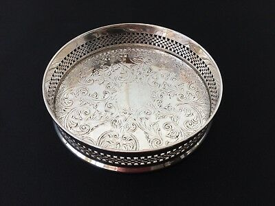 lovely vintage silver plated glass / bottle coaster with ornate pattern ref01