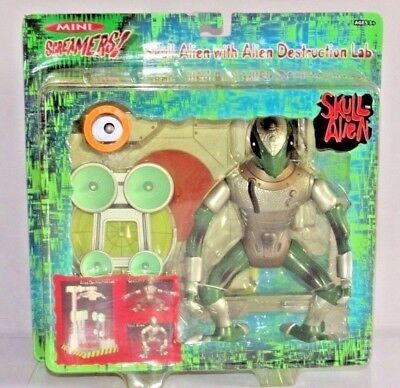 Toy Quest Electronic Screamers Ug a Bug With Bug Destruction Lab