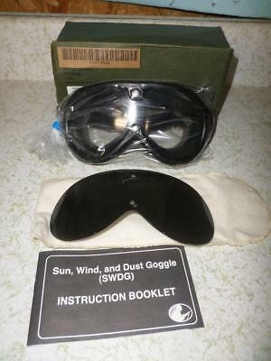 Vintage Sand Wind Dust Goggles  New In Box