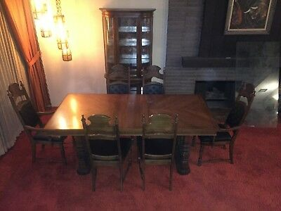 Vintage expandable wood dining room table