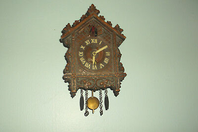 "Vintage LUX MINIATURE CUCKOO CLOCK  Patents Pending USA Untested 5"" x 4"""