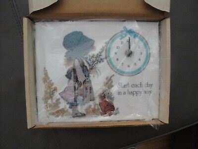 Vintage 1975 Holly Hobbie Battery Operated Wall Clock