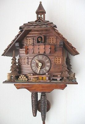 Old vintage Black Forest Engstler Alpine Lodge  Cuckoo clock made in Germany