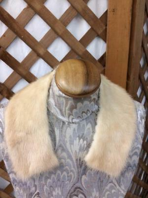 Vintage Excellent Condition Blond Fur Cloth Lined Collar FREE USA Shipping