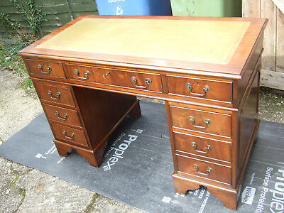 Antique reproduction mahogany pedestal desk 4ft wide