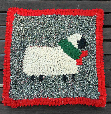 BEGINNER FESTIVE SHEEP  Primitive Rug Hooking Kit with cut wool strips