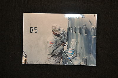 EARLY OPERATION IRAQI FREEDOM 1st ARMORED DIVISION PHOTO - BRADLEY MAINTENANCE