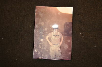 EARLY OPERATION IRAQI FREEDOM 1st ARMORED DIVISION PHOTO - SOLDIER WITH CAMELBAK