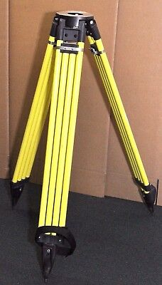 """Dutch Hill Heavy Duty Tripod GT2000A-YEL Excellent Condition. 44""""-72"""" Max 60 Lbs"""