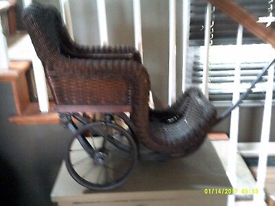 Antique Wicker  Baby/Doll Buggy