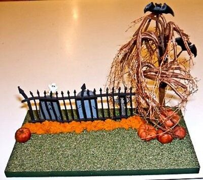 Scenic Mouse Halloween Fence with Bats Display Base for Wee Forest Folk
