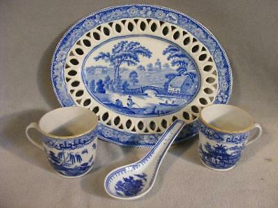 4 Pieces Antique Blue Willow English China Ca. 1800 - Platter & Cups