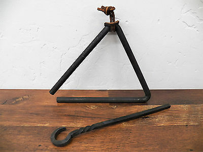 Full-sized Rustic Forged Wrought Iron Chuck Wagon Dinner Bell Triangle w/Striker