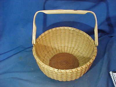 HAND CRAFTED NANTUCKET Style BASKET Rattan w MAHOGANY BOTTOM by Ruth Gunderman
