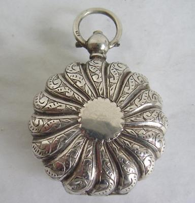 Stunning Victorian Solid Silver Sovereign Case. H/mark 1888 Beautiful Pattern