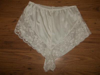 Vintage 1970s Sheer Nylon Scalloped Lacy French Knicker Panties M/L