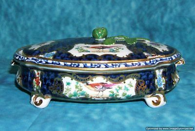 Antique English Booth's Blue Scale Exotic Birds Covered Box Gilman Collamore