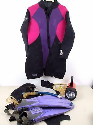 Ladies Wetsuit Size 10+. 7 mm and Accesories