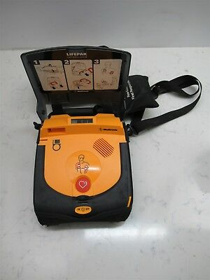 Medtronic Lifepak CR Plus AED Excellent Condition w/ Battery Pads Case Automatic
