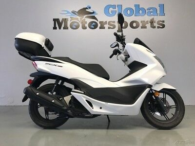 Honda PCX  2015 Honda PCX 150 Used SUPER LOW MILES ADDED TOURPACK NO ISSUES