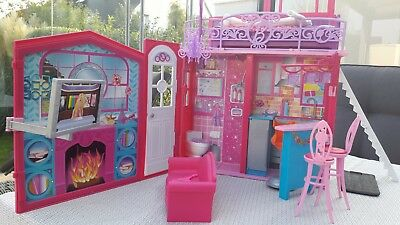 gro es barbie haus eingerichtet ausklappbar eur 1 00 picclick de. Black Bedroom Furniture Sets. Home Design Ideas
