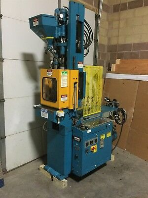 Boy 22S VV Dipronic Vertical Injection Molding Machine 22-Ton 220V 3Ph Yr.1990