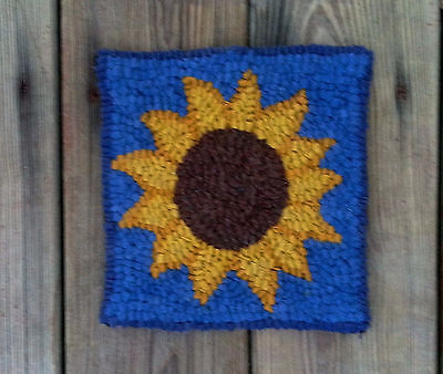 SUNFLOWER ON BLUE  Primitive Rug Hooking  KIT WITH #8 CUT WOOL STRIPS