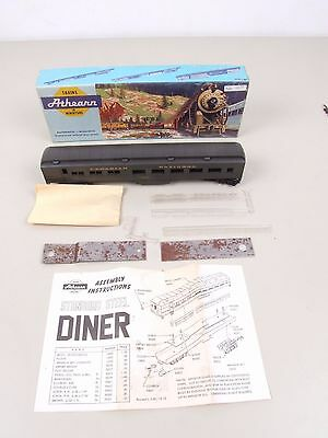 Athearn  Canadian National Dining Car