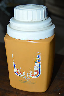 Vintage 1975 National Football League NFL Roughnecks Thermos
