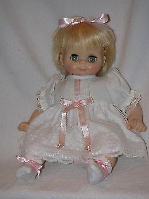 1975 Vintage Vogue Baby Doll