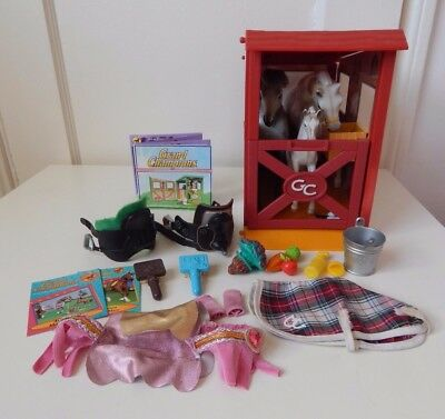 Grand Champions Stable stall & lot of accessories, 3 horses