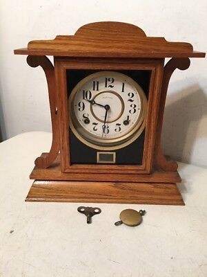 Beautiful Antique Ingraham Kitchenette Model Oak Mantle Clock