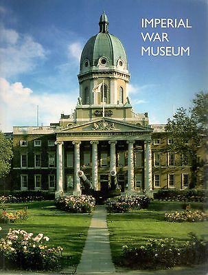 2001 24366 Imperial War Museum Large Guide Book