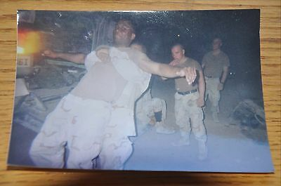 Iraqi Freedom OIF 1st Armored Photograph 5 x 7 Getting a back adjustment