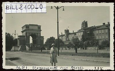 Albi ( Tarn ) monument aux morts . photo ancienne . 1935