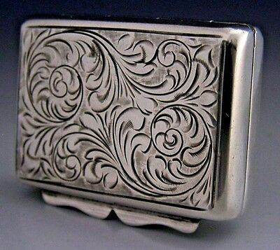 Quality English Sterling Silver Snuff / Pill Box 1979