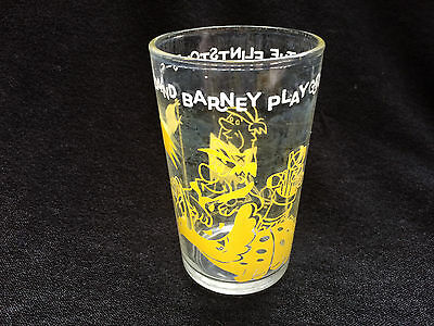 Welch's 1962  The Flintstones Fred and Barney Play Golf WILMA Bottom RARE GLASS