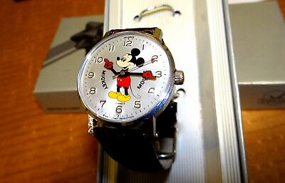 Nice Clean Vintage 17 Jewell Full Sized Men's Mickey Mouse Helbros Wind Up Watch