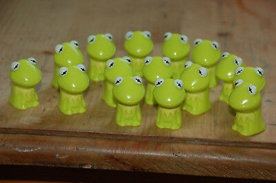 15 KERMIT THE FROG DISNEY WIKKEEZ FIGURES - The Muppets, party loot bags fillers