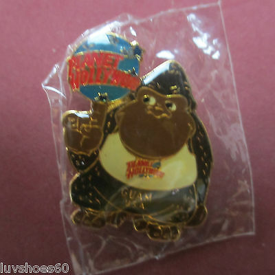 PLANET HOLLYWOOD King Kong Guam USA Pin Collectible Tie Tac Lapel Guerilla Ape