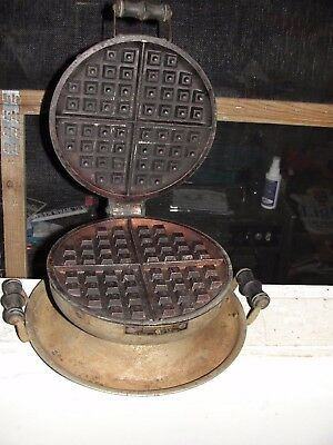 Vintage Griswold Electric Waffle Maker Very Rare !