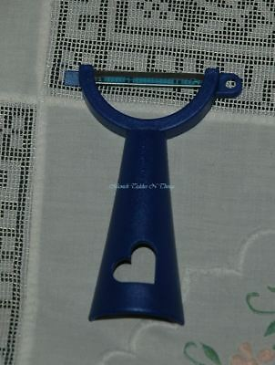 Tupperware Horizontal Blue Heart Peeler