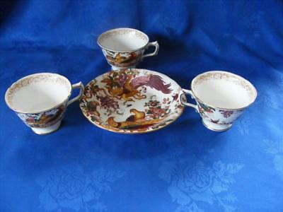 """Crown Derby  """"olde Avesbury"""" 3 Cups & Cereal Bowl - Excellent Condition !"""