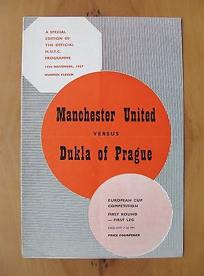 MANCHESTER UNITED v DUKLA PRAGUE European Cup 1957/1958 VG Cond + Token - Munich